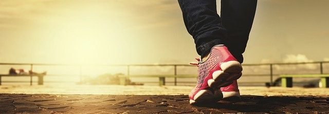 Hoe blijf je wakker: door te wandelen!